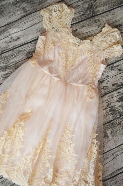 Śliczna i tania sukienka.Link na blogu.