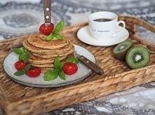 Przepis na wytrawne pancakes  /składniki na 2 porcje/  ♥ 2 jajka  ♥ łyżka oli...