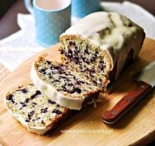 Szybkie ciasto z jagodami. Przepis po kliknięciu w zdjęcie.