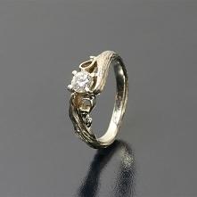 Taki piękny <3 drzewny pierścionek ;) Inspirowany naturą pierścionek z bia...