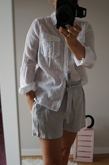 Biała koszula + lniane spodenki