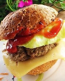 Domowy hamburger z wołowiną