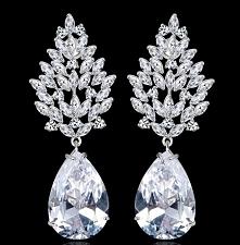 LUKSUSOWE KOLCZYKI 4Tempora Original Wysokiej jakości biżuteria ślubna i wieczorowa wykonana z trwale platerowanego 18 karatowym białym złotem oraz rodowanego stopu jubilerskieg...