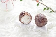 Zdrowe bounty bez cukru 2,5 szklanki wiórków kokosowych 1 puszka schłodzonego...