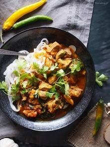 Szybkie curry z kurczakiem i szpinakiem Billa Grangera/ Bill Granger's easy chicken and spinach curry