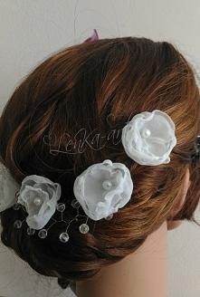 kwiaty z organzy we włosy