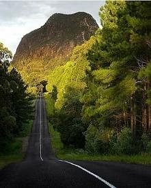 Góra Tibrogargan w Australii.