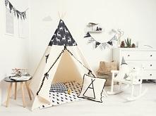 Tipi czyli namioty, w których bawią się dzieci i dorośli. Po kliknięciu w zdj...