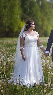 sprzedam suknie ślubna widoczna na zdjeciu rozmiar 42 afrodyta link w komentarzu