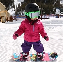 Little professional ;)  Source: Pinterest, Outside Television zapisał(a) na tablicy Get Outside! Community Board Aspen was born to #snowboard!
