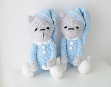 Śpioch w błękitnej piżamce