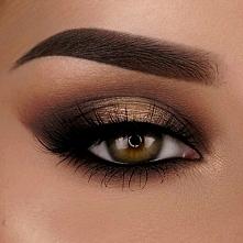 Elegancki makijaż spot light w brązach i złocie