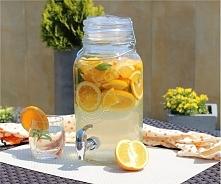 Świeżość limonki, melisy i mięty doskonale równoważy intensywny smak rabarbar...