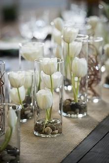 Dekoracja z kwiatów. Delika...
