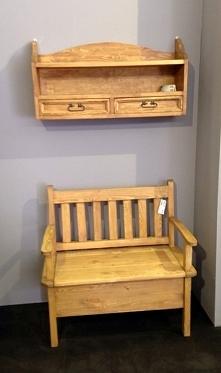 drewniana półka sosnowa wykończona woskiem