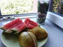 Tak dzisiaj wygląda moje drugie śniadanie. Koktajl ze szpinaku, banana, kiwi ...