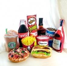 Co powiecie na fast foodowe poduszki?