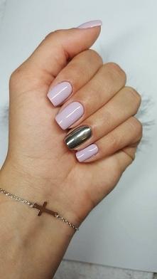 liliowy manicure