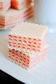 Domowe wafle z masą z galaretki
