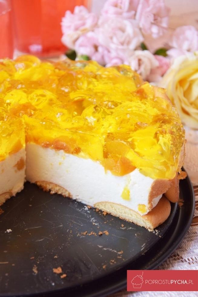 Brzoskwiniowy sernik na zimno z mango