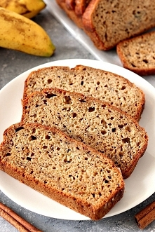 Chleb bananowy z cukrem cyn...