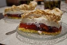 Tort z galaretką i bitą śmietaną