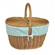 Wiklinowy kosz na piknik obszyty materiałem - wzór białe kropki na turkusowym...
