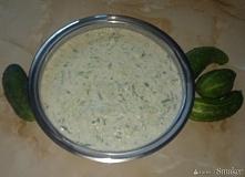 Sos grecki tzatziki Pyszny sos grecki tzatziki, który stanowi bardzo dobry do...
