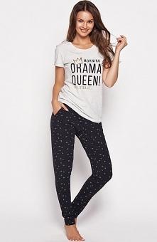 Henderson Ladies Gia 35602-09x piżama Rewelacyjna dwuczęściowa piżama, bluzeczka z krótkim rękawem z przodu ozdobny napis, okrągły dekolt
