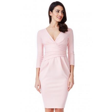 Pastelowa różowa sukienka midi z ciekawym marszczeniem w talii