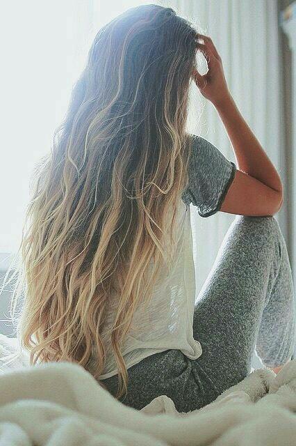 Dziewczyny co polecacie na wypadanie włosów? Masakryczny mam z tym problem...