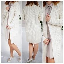 Milutki sweter na chłodniejsze dni i wieczory Będzie ciekawym dopełnieniem wielu stylizacji  UNI Długość całkowita: 98cm Szerokość w biuście: 53 cm Szerokość w talii: 49 cm Szer...
