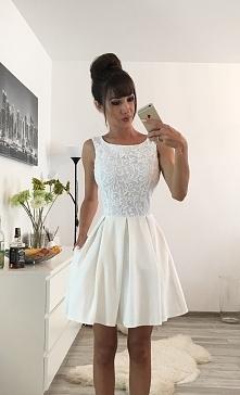 SUKIENKOWO.COM ARIANA - Rozkloszowana sukienka z kieszeniami ecru -> Klikn...
