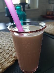 Dzień dobry :-) Śniadanko: 3 banany, łyżka miodu, mleko kokosowe ok. 120 ml, jogurt naturalny. Smacznego