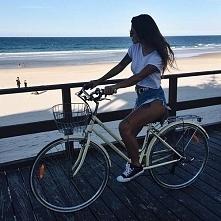 Jazda na rowerze z widokiem na ocean... To dopiero piękny widok :)