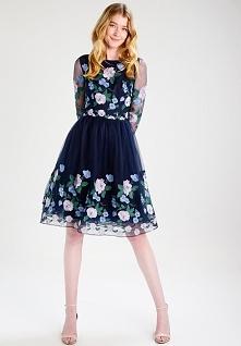 Sukienka koktajlowa Chi Chi London Tall CLAIRE pięknie będzie wyglądała na we...