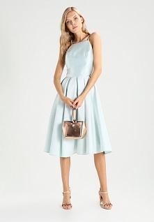Sukienka midi Chi Chi London Tall SOEKIE na lato idealna.