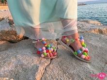 Letnie sandały z pomponami DIY