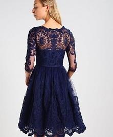 Koronkowa sukienka koktajlowa Chi Chi London ROMEE idealna na studniówkę.