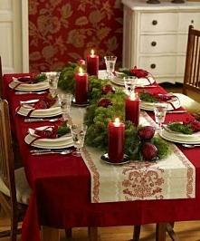 Bożonarodzeniowy stół.  Bardzo uroczyście :)