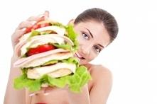 wie ktoś jak wyjść z kompulsywnego jedzenia? jestem szczupła, uprawiam duzo sportu, ale męczy mnie to psychicznie, poradźcie coś :(