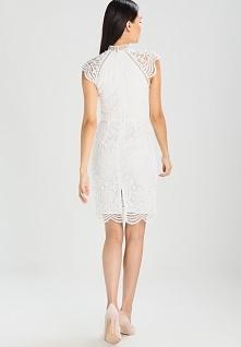 Przepiękna koronkowa sukien...