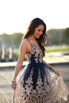 Przepiękna sukienka Chi Chi London z koronką.