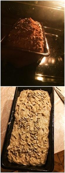 chlebek się piecze można iść spać :) mój ulubiony i najszybszy