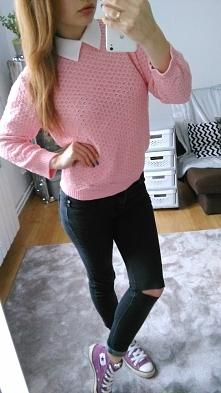 Różowy sweterek z kolnierzy...