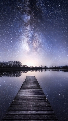 Sny są naszym drugim życiem. Czasami widzimy w nich rzeczy, których naprawdę pragniemy...