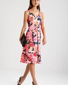 Sukienka koktajlowa w kwiat...