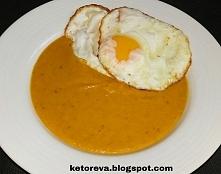 Zupa krem z dyni z chrupiącymi jajami! Mniaam.