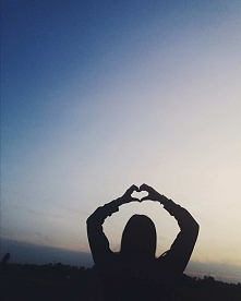 Nie kochaj za coś. Kochaj po prostu.