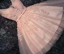 beautiful dress :**
